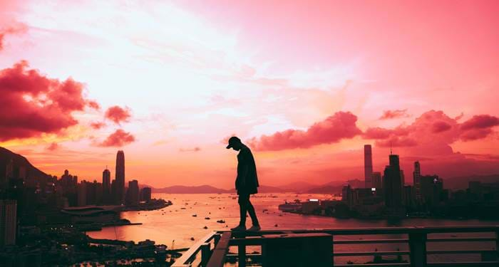 hong-kong-man-sunset-skyline-cover